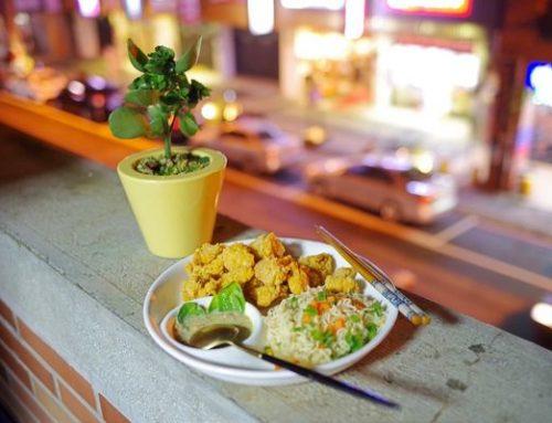 網購美食|泰國泡麵mama綠咖哩雞味麵|檸檬葉和香茅噴香盪氣迴腸,乳白色湯頭愈喝愈涮嘴@我是摸摸@